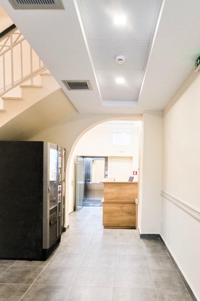 entrance-hotel
